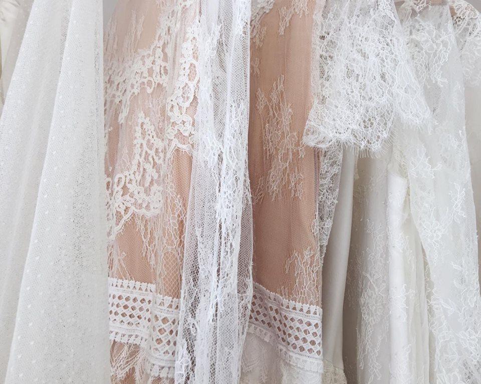 Le rose poudré : le nouvel allié de vos robes de mariée !