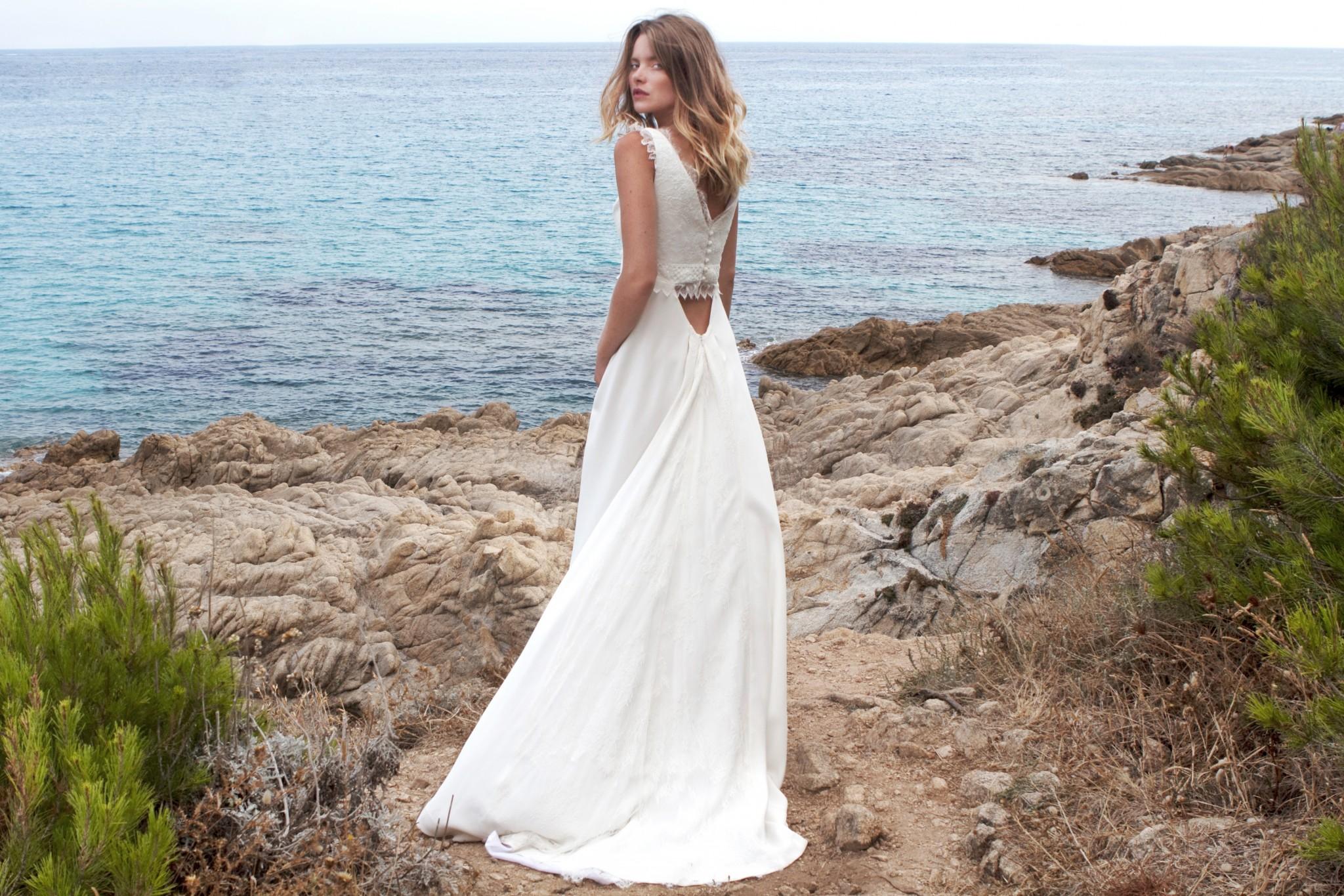 notre robe Victoria avec ses détails originaux